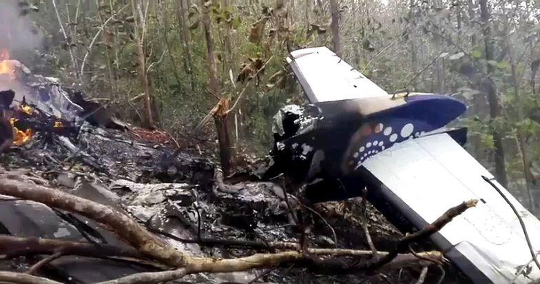 Na pokładzie samolotu było prawdopodobnie 12 osób.