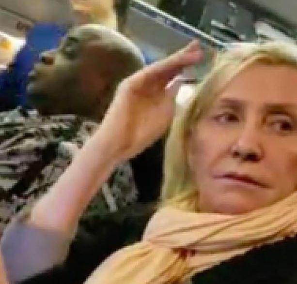 Skandal w samolocie United Airlines. Pasażerka wyrzucona za wyzwiska