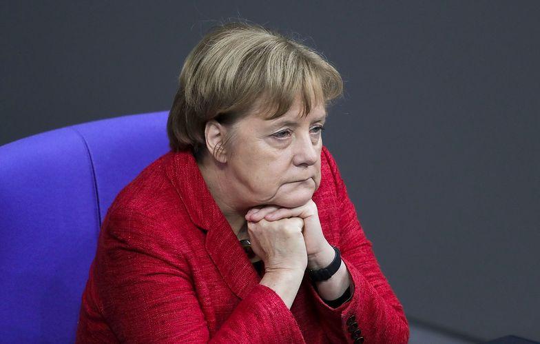 Niemiecka kanclerz jest powściągliwa ws. sankcji na Polskę