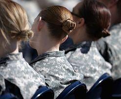 30 tys. kolegów z armii oglądało ich nagie zdjęcia. Wszyscy są wstrząśnięci, dla nich to codzienność
