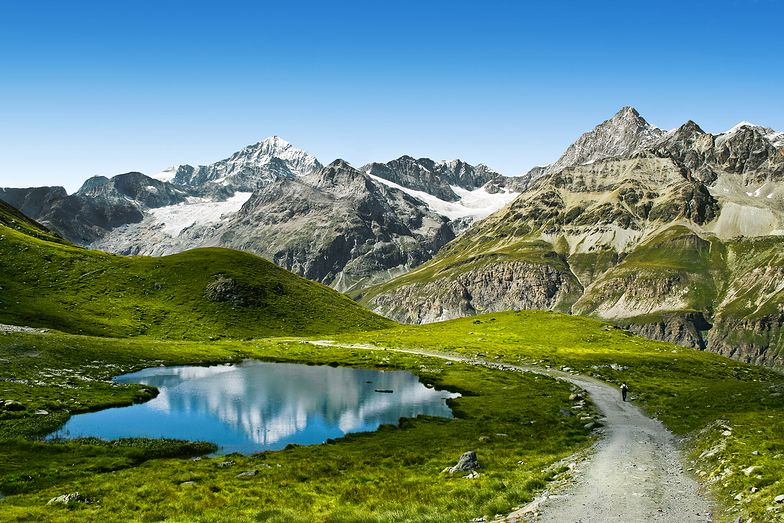 Śmierć turystki w Alpach Szwajcarskich. Spadła w przepaść