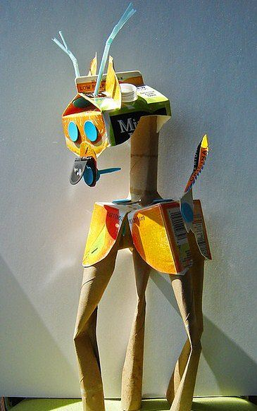 Samodzielnie wykonana zabawka z kartonu