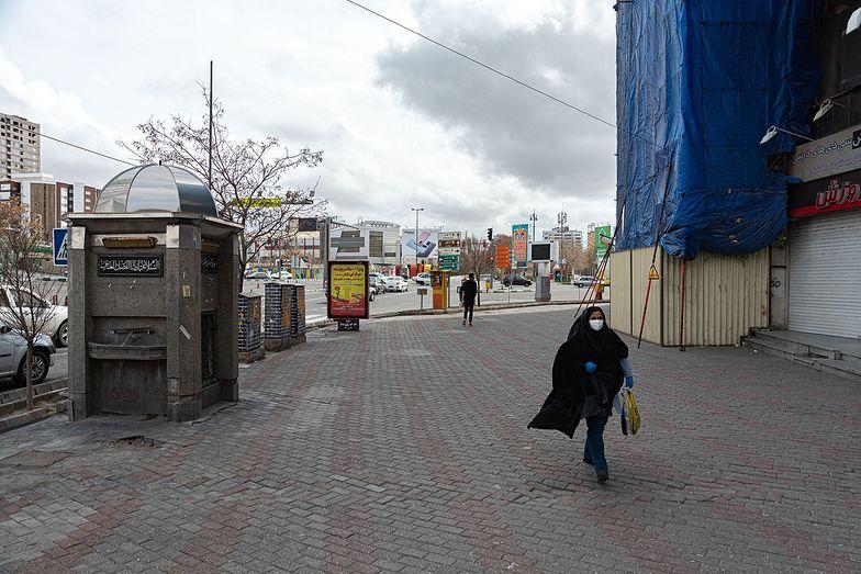 Z powodu koronawirusa w Iranie zmarło już 1556 osób.