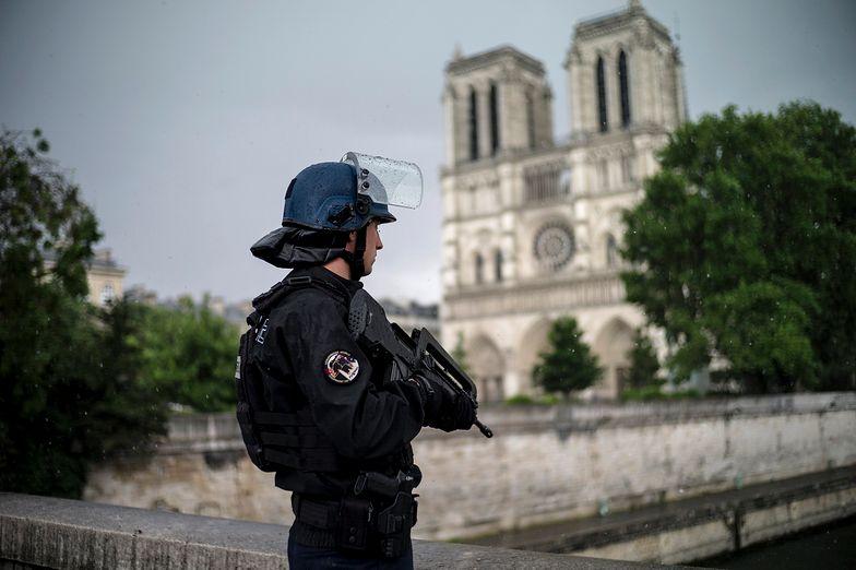 Atak koło katedry Notre Dame. Panika w sercu Paryża
