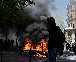 """Francja: 23. protest """"żółtych kamizelek"""". W Paryżu płoną auta i skutery"""