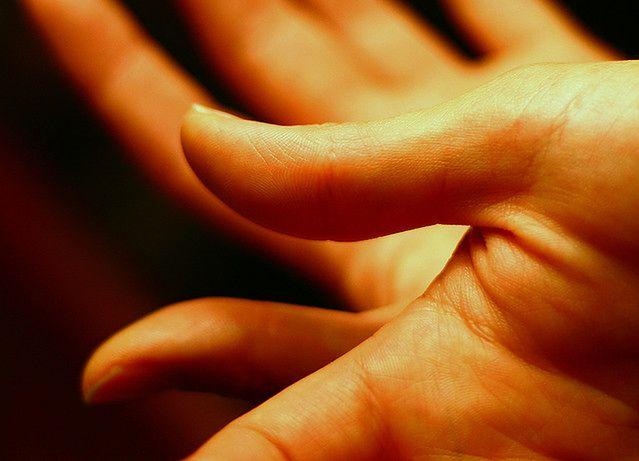 Sposoby nawilżania skóry - skóra dłoni
