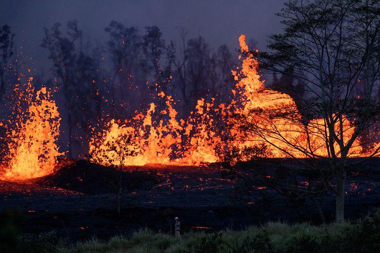 Bomba z lawy trafiła w mężczyznę na balkonie. Pierwsza ofiara wulkanu Kilauea