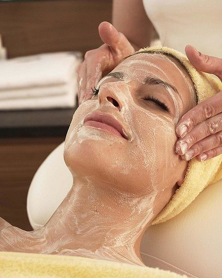 Profesjonalny peeling twarzy