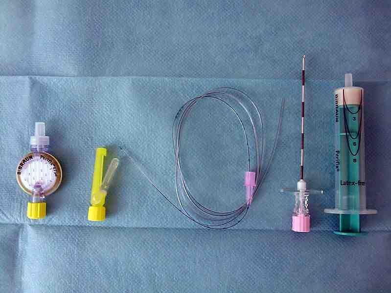 Przyrządy potrzebne do znieczulenia zewnątrzoponowego
