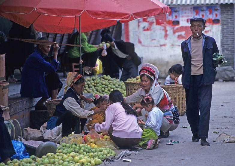 Miliony chińskich studentów trafią na wieś. Będą promować technologię