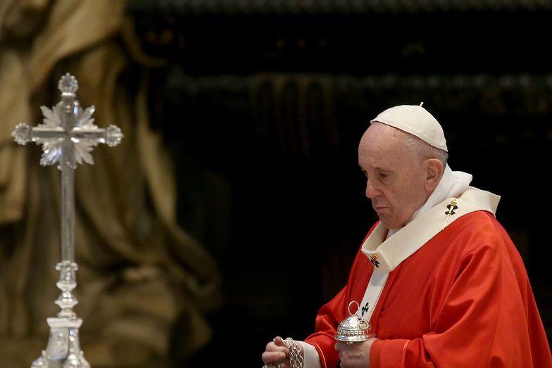 Koronawirus. Papież Franciszek powołał nadzwyczajny fundusz na rzecz poszkodowanych przez pandemię.