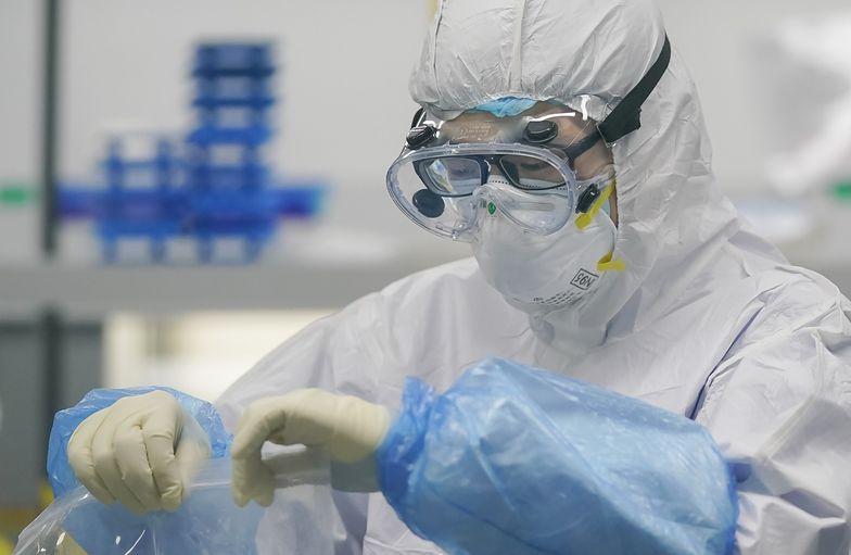 Koronawirus. Naukowcy odkryli 40 mutacji śmiertelnego wirusa