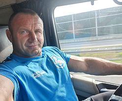 Mariusz Pudzianowski wrzucił selfie z auta. Nagle ktoś dostrzegł wpadkę