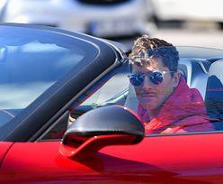Robert Lewandowski pochwalił się nowym autem. Przyjechał na trening niesamowitą furą