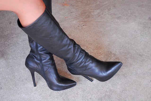 Mocno zwężane czubki butów
