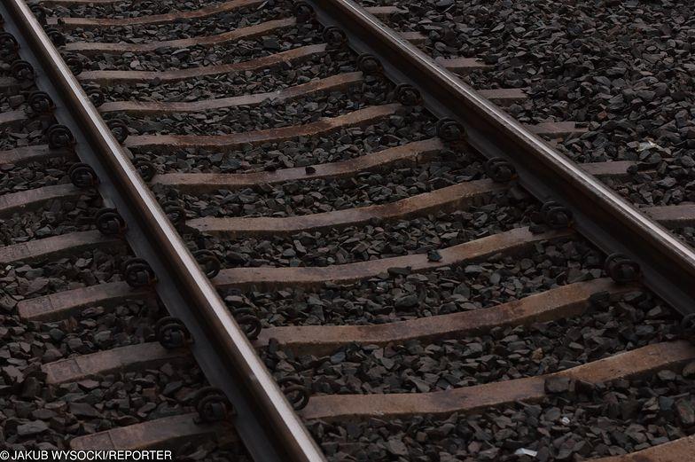 Pociąg potrącił śmiertelnie kobietę