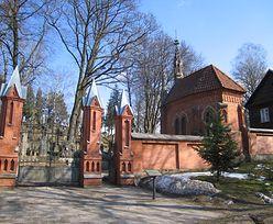 Akt wandalizmu na polskich grobach w Wilnie
