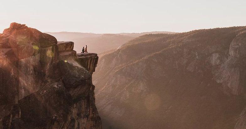 Zaręczyny marzeń skończyły się tragedią. Spadli z najsłynniejszej góry USA