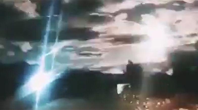 Kula ognia na niebie. Ludzie przerażeni, że uderzy w miasto