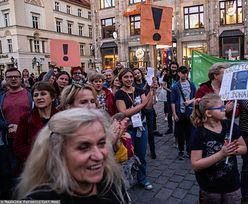 Strajk nauczycieli 2019. Protest nauczycieli i uczniów na wrocławskim rynku