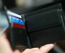 Ucieszył się, że policja znalazła jego portfel. Zapomniał, co trzymał w środku