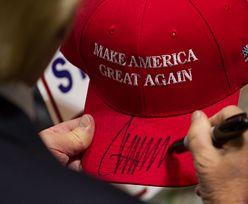 Czapka Trumpa na choince. Ta ozdoba nieźle namieszała