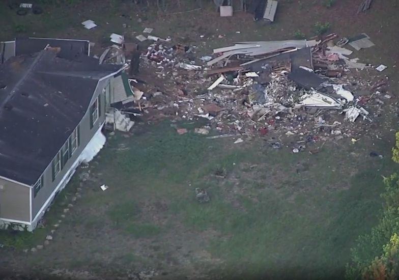 USA. Samolot spadł na dom i zabił mieszkańca
