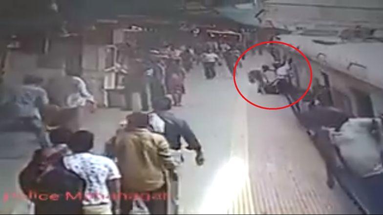 Pociąg wlecze kobietę po peronie w Mumbaju. Pasażerowie ratują jej życie