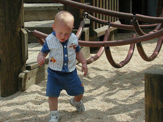 Pierwsze kroki niemowlaka
