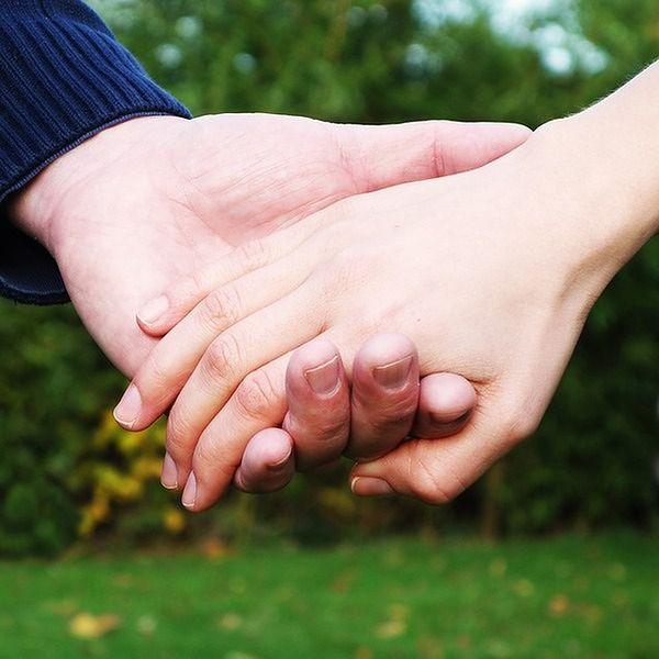 Trzymanie za rękę