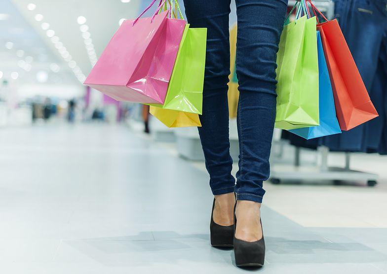 80 proc. klientów sklepów w Polsce kupuje w niedzielę