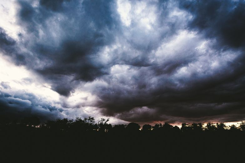 Uwaga na zmianę pogody w ciągu dnia. Nadciągają burze i grad