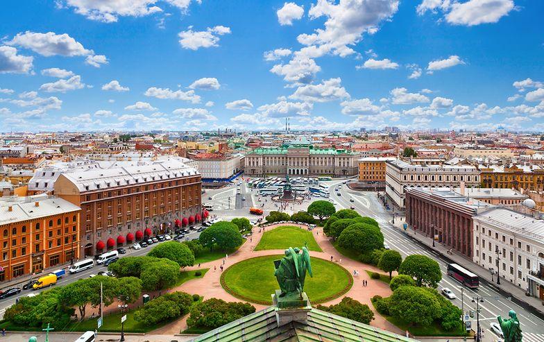 Otwarcie nieba dla tanich linii lotniczych to kolejny krok w rozwoju turystyki w nie tylko w Petersburgu, ale też Rosji
