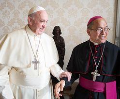 Watykan definitywnie usuwa arcybiskupa za pedofilię