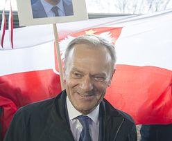 Donald Tusk chwali się prezentem od wnuka z okazji 100-lecia niepodległości