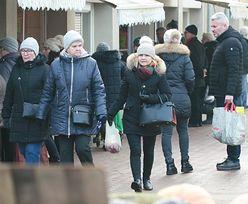Małgorzata Tusk robi zakupy na bazarku. U niej już święta