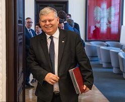 """""""Układ Kaczyńskiego"""" długo nie wytrzymał. Tablicą zajął się Marek Suski"""