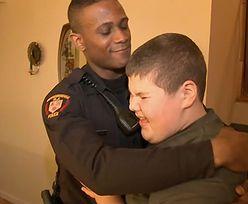Zgubił misia. Policja ruszyła z pomocą 12-latkowi z autyzmem