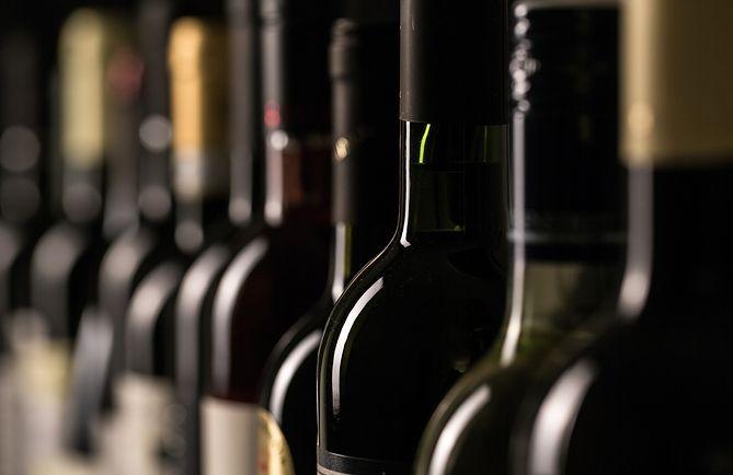 Butelki z piwem i winem mogą zawierać metale ciężkie
