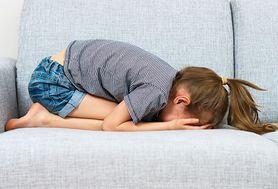 Poznaj najczęstsze przyczyny pojawiania się mdłości i wymiotów
