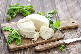 Dlaczego warto włączyć do diety biały ser?