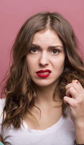 Czy wiesz, dlaczego po ciąży masz słabsze włosy, które zaczynają wypadać?