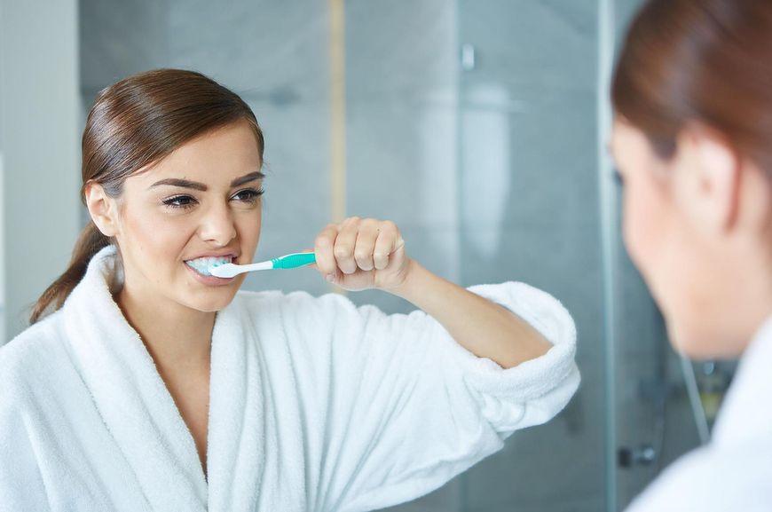 Jakie są skutki niemycia zębów?