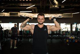 Duże bicepsy w 3 prostych ruchach? Tak to możliwe
