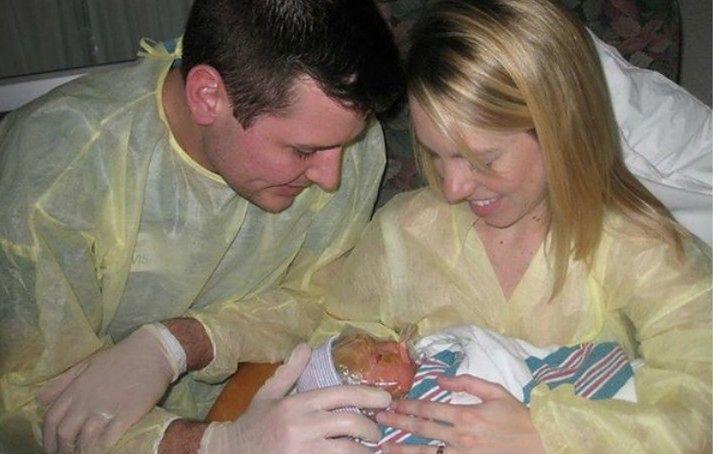 Brenna z rodzicami w szpitalu