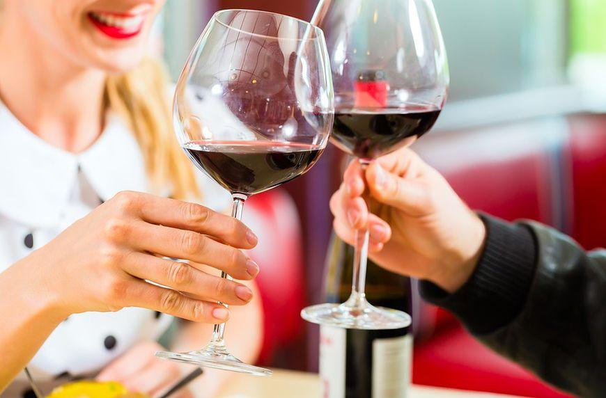 Alkohol: czerwone wino