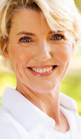 Poznaj naturalne sposoby łagodzenia menopauzy