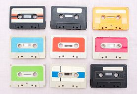 Czym współczesne nastolatki różnią się od dzieciaków z lat 90-tych?