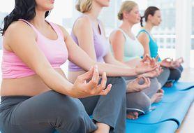 Czy wiesz, które pozycje jogi są bezpieczne dla kobiet spodziewających się dziecka?
