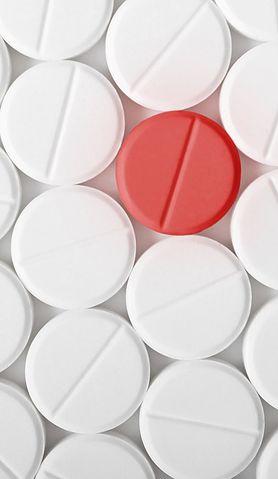 5 rodzajów leków bez recepty, z którymi nie można przesadzać